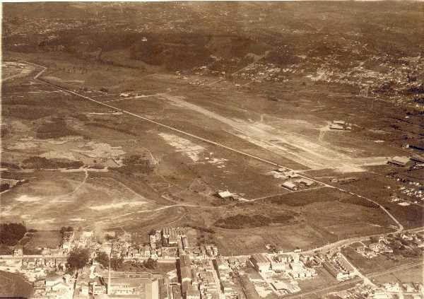 Fundado Em 1920 O Campo De Marte E O Aeroporto Mais Antigo De Sao