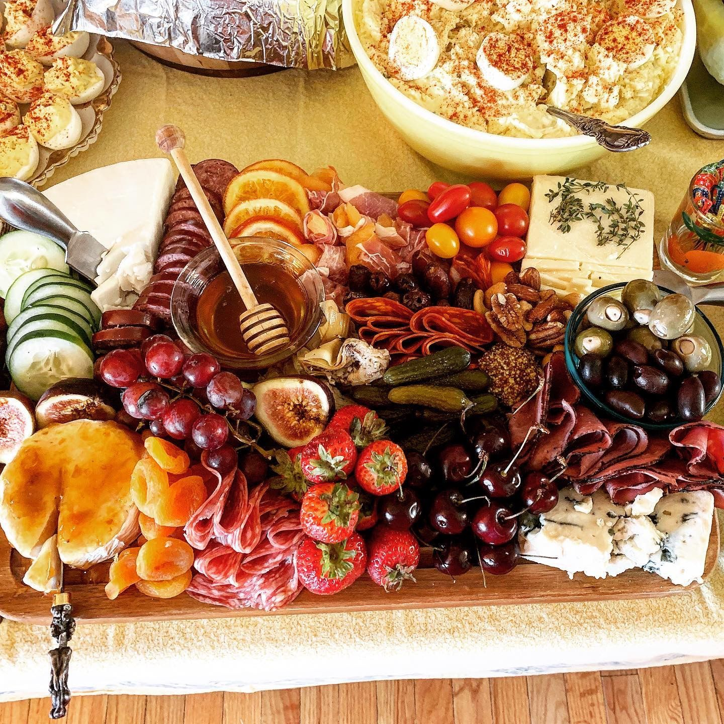 Pin By Laurie Sitterding On Wedding Fingerfoods Food Cheese Board Grazing Tables