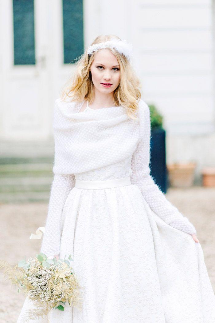 Brautkleid mit Strickbolero | Warm wedding dress, Wedding dress and ...