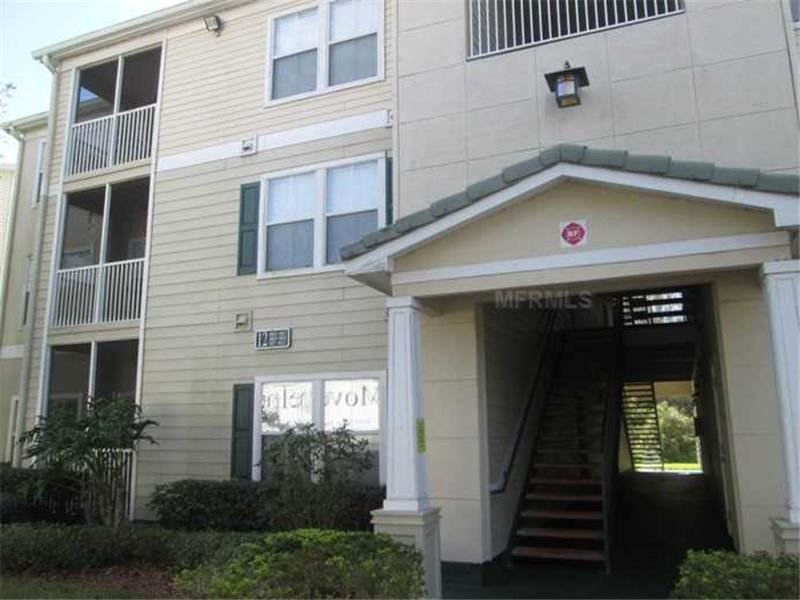 18103 Bridle Club Dr, Unit #18103, Tampa, FL 33647 — Short Sale. *Back on Market*. Great time to buy! Spacious 2/2 located in New Tampa gated community. This beautiful Condo has a screened lanai, all appliances, granite counters, eat in space in kitchen, breakfast bar, two masters and an end unit all located on the 1st floor. The community features community pool and spa, tennis courts, volleyball, car wash, playground and clubhouse. It is conveniently located to movie theater, restaurants…