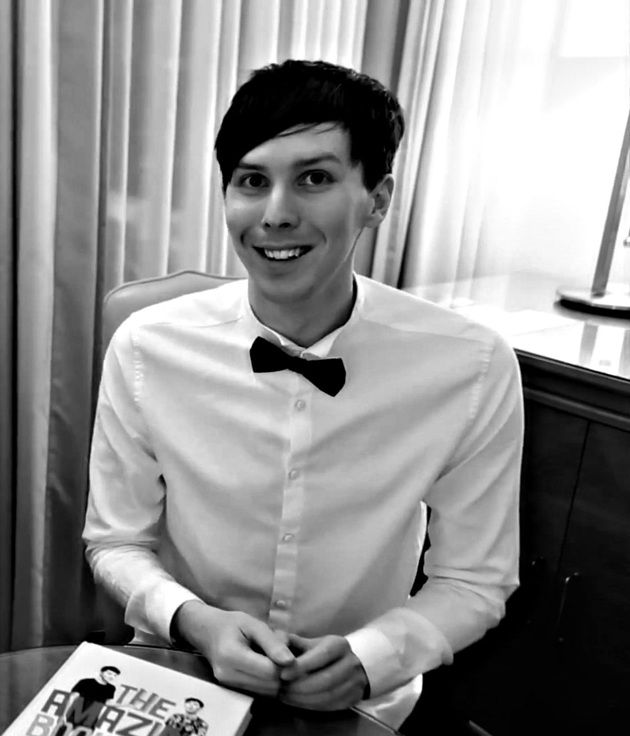 Dan and phil looked so good in dan s new video i literally for Da n