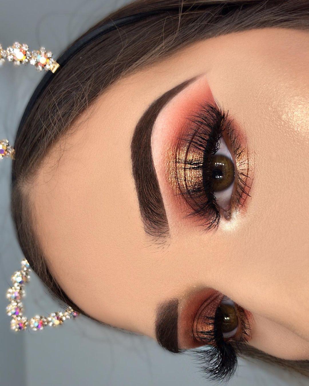 """𝐀𝐜𝐞𝐥𝐚 𝐌𝐚𝐜𝐤𝐞𝐧𝐬𝐢 𝐆𝐨𝐧𝐳𝐚𝐥𝐞𝐳⚡️ on Instagram: """"Maquillaje de graduación de día ✨🎉 . . . Productos:. •Cejas/Brows: @anastasiabeverlyhills medium brown pomade and clear brow gel.…"""""""