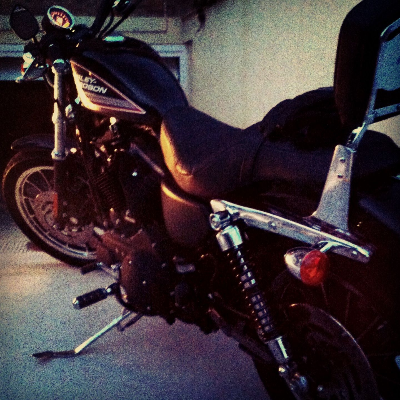 Mi Harley Davidson Sportster 883R después de una bonita ruta