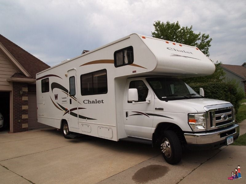 Best 25 small rv rental ideas on pinterest camper for Small motor homes for rent