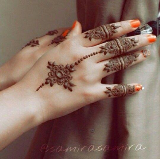 ✧✧ #HennaInspiration ✧✧ Simple mehndi
