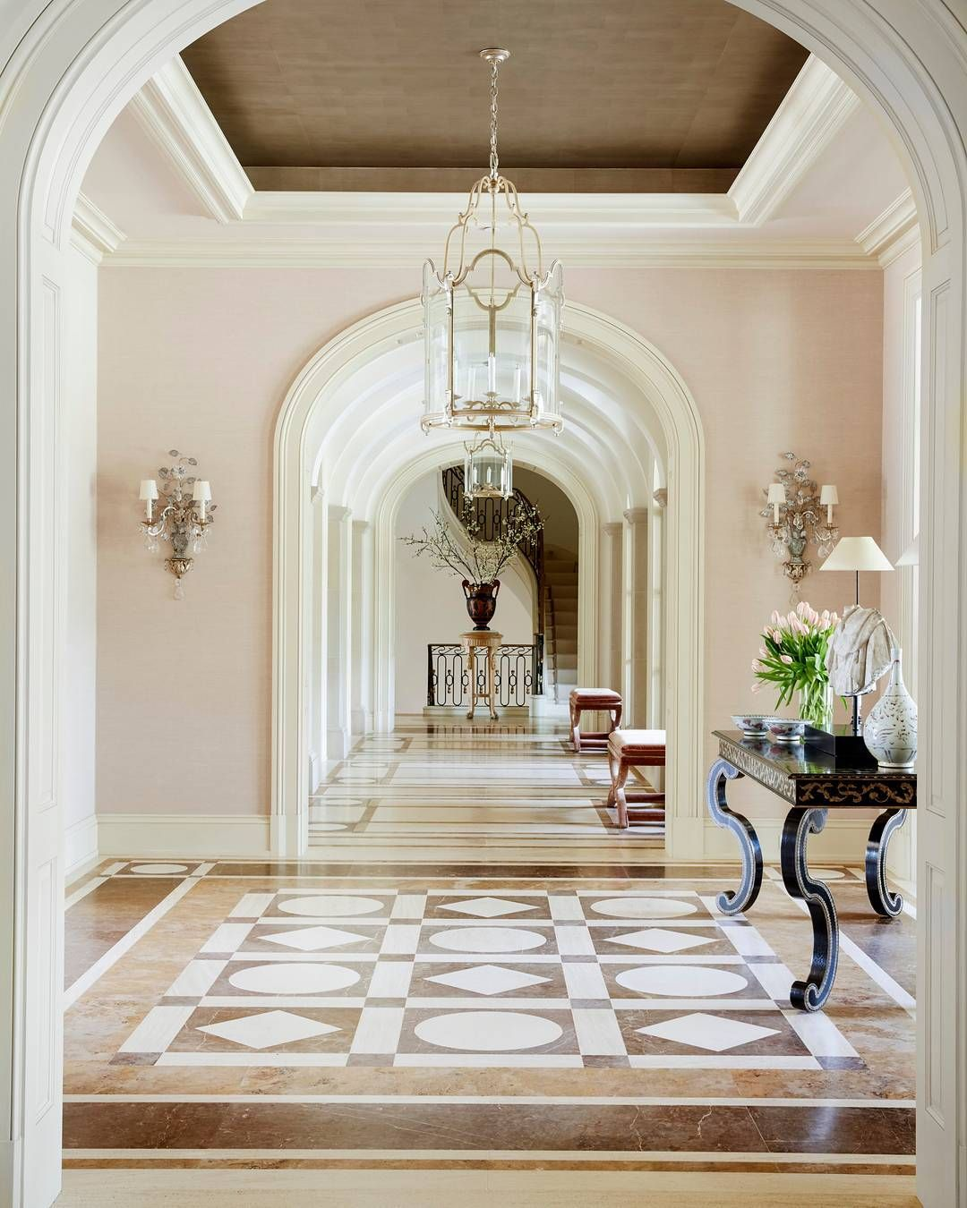 J Randall Powers Interior Design: Nothing Like A Good Entrance.