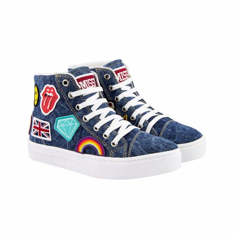 54510144f5ab7 Pin de SZ em Shoes
