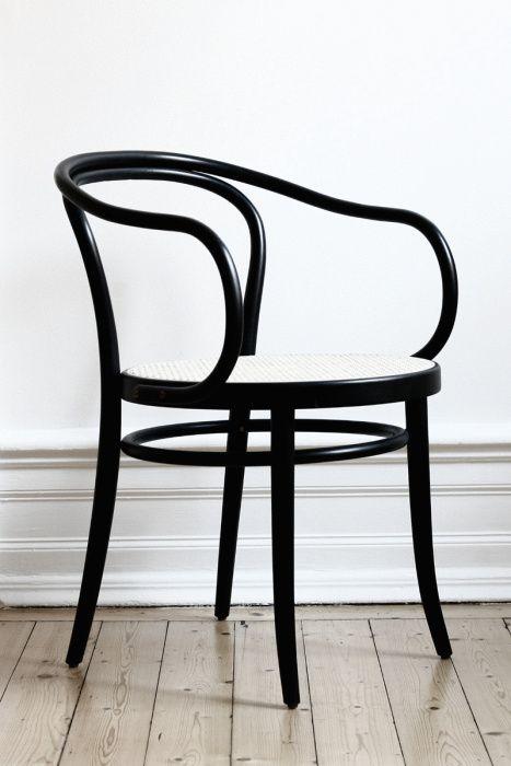 Thonet Cadeira n° 30 madeira envergada, redução de peças, uso de parafusos e porcas