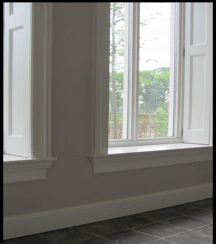 Vloerplint met vensterbank en raamblinden - Ideas for living room ...