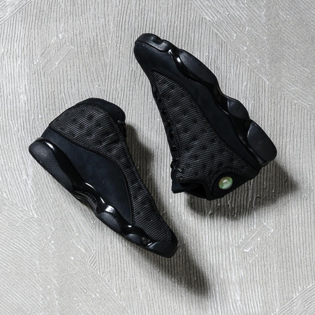 81608b13f45 AVAILABLE TOMORROW Air Jordan 13 Retro « Black Cat » Credit   FootAction   Nike  Inside  Sneakers