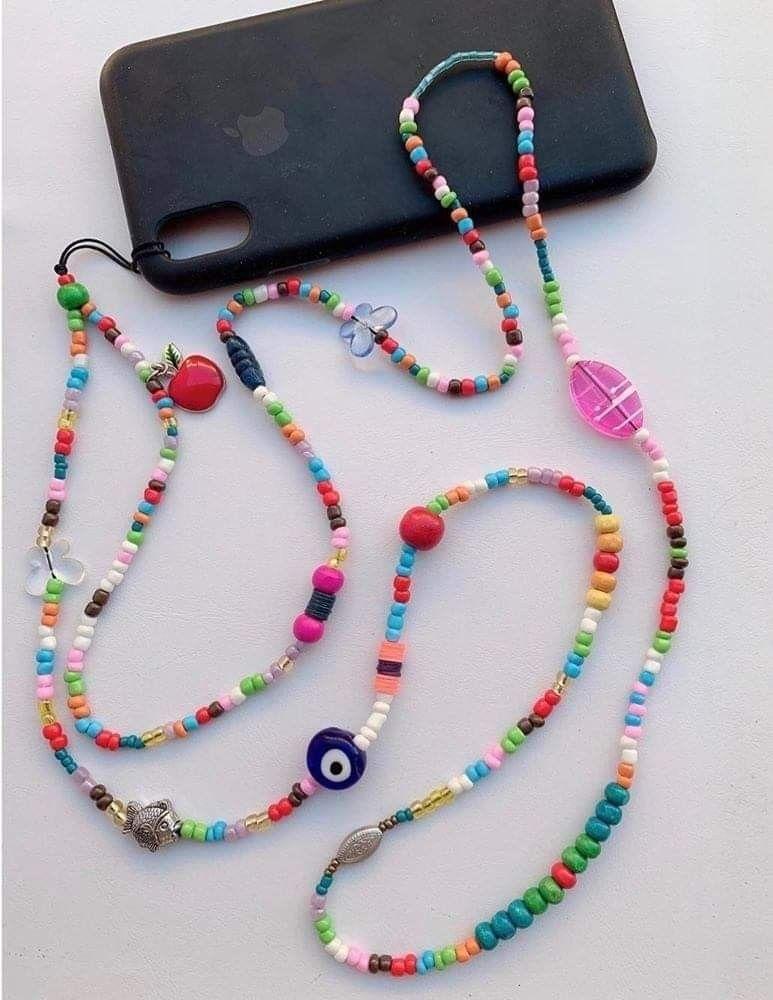 Pin de Priscilla Garcia em phone strap beads em 2021 | Bijuterias com  miçangas, Miçangas, Bijuterias