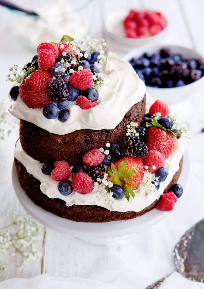 Creating beautiful and delicious cake can also be easy ...