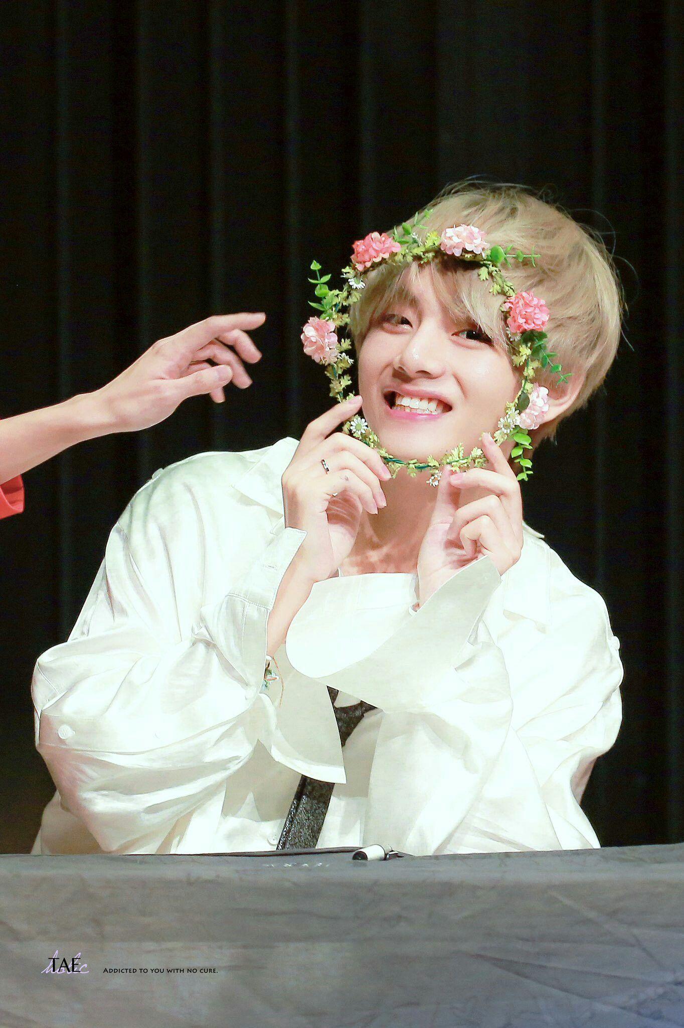 Cute Boy Crying Wallpaper Flower Crown Taetae Bts Taehyung Kim Taehyung Bts