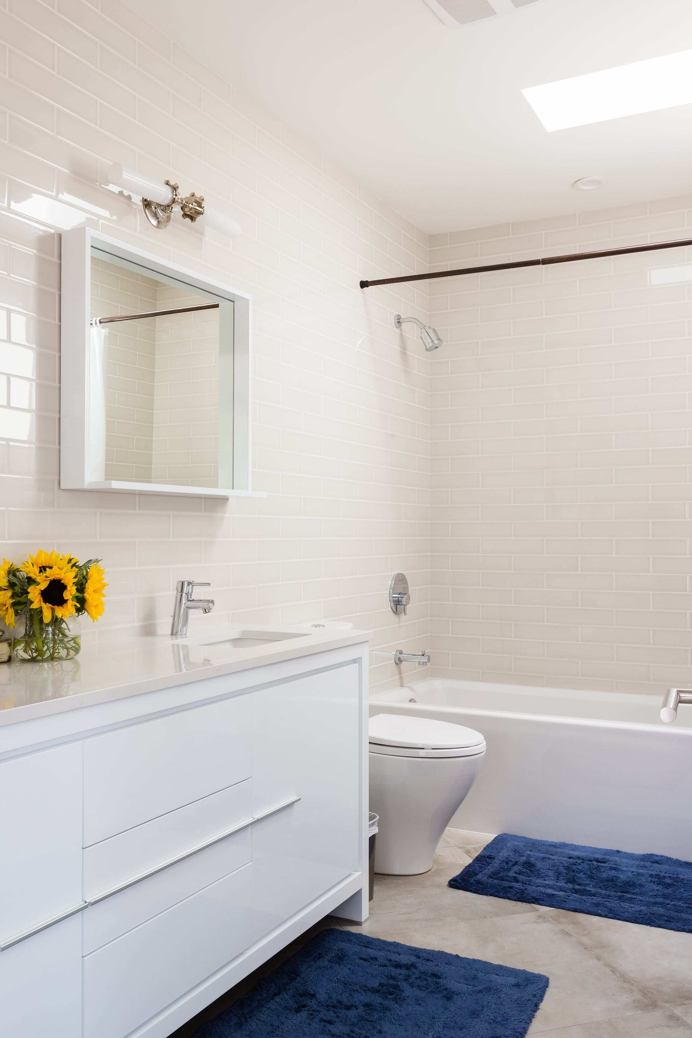 Tour an Architect\'s Modern Mid-Century Mashup | Upstairs bathrooms ...