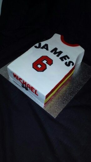 new product f31ea f6cb5 Lebron james basketball singlet cake | Birthday | Air max ...