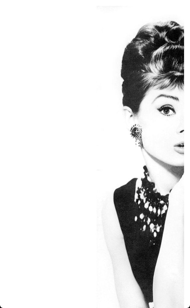 Pin By Lindsay Soileau On Quotes Iphone 6 Plus Wallpaper Audrey Hepburn Wallpaper Chanel Wallpapers
