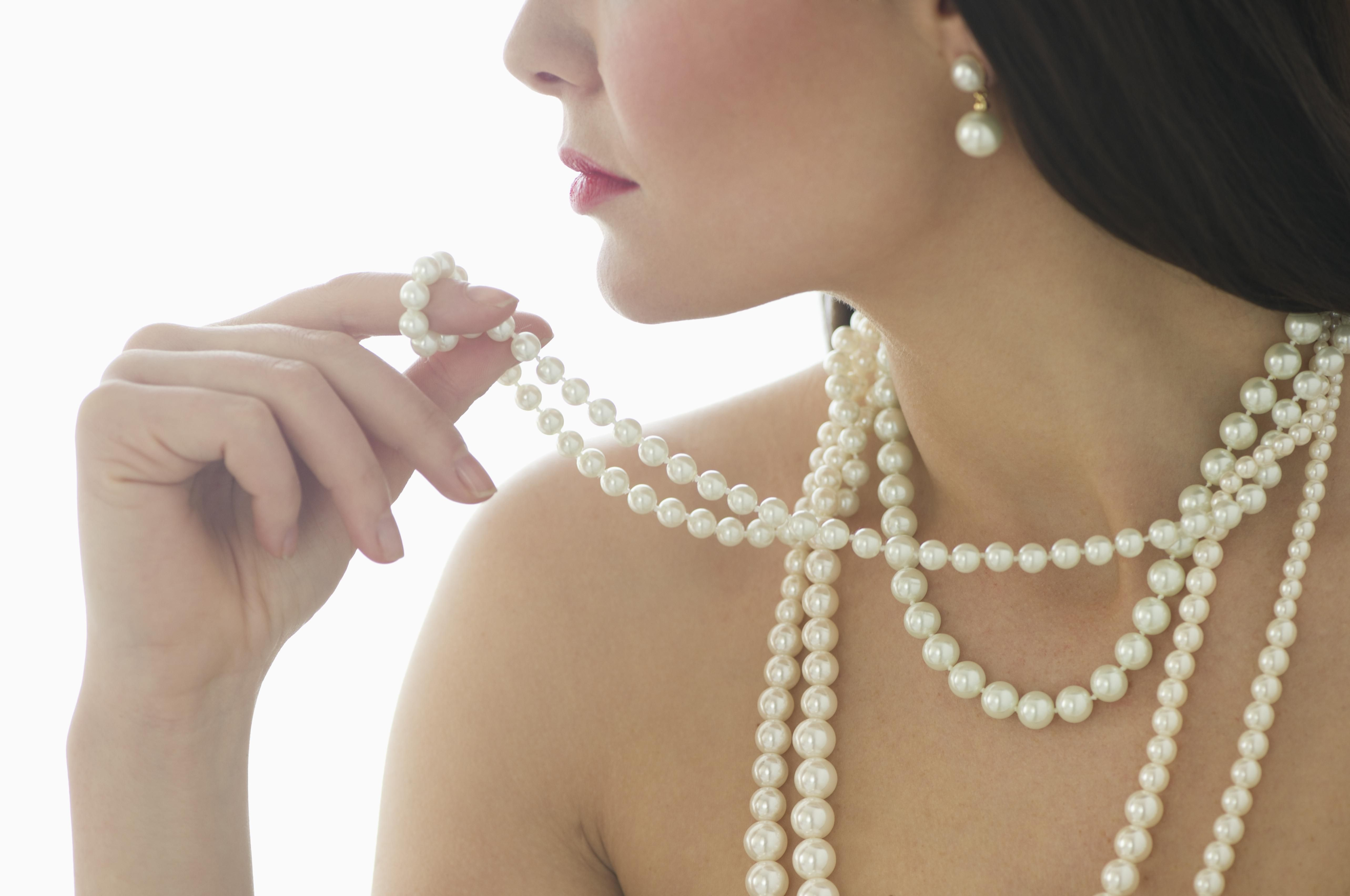 Tips For Cleaning Pearl Jewelry Cleaning Jewelry How To Clean Pearls Versatile Jewelry