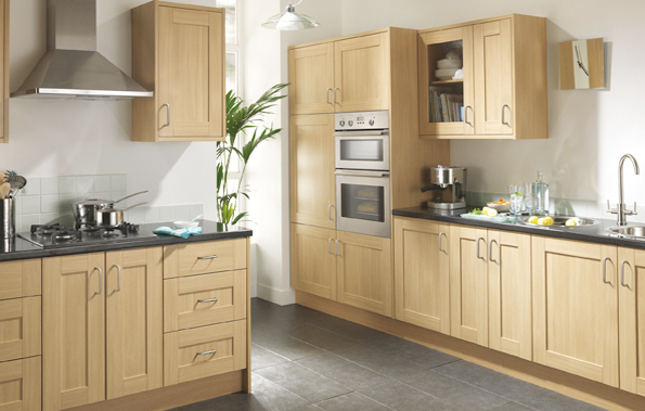 linslade shaker kitchen range is a natural oak effect