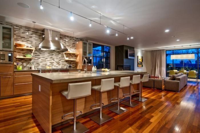 La cuisine avec ilot - cuisine bien structurée et fonctionnelle - cuisine ouverte ilot central