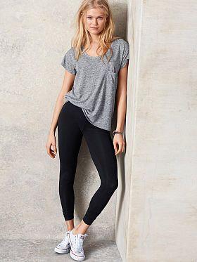 de08cd8f71000 Grey shirt black leggings white converse   Cute Outfits   Black ...
