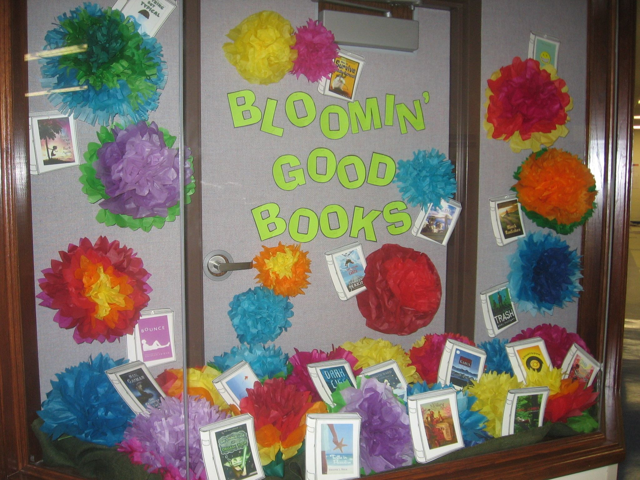 Bulletin board ideas middle school library back to for Cork board displays