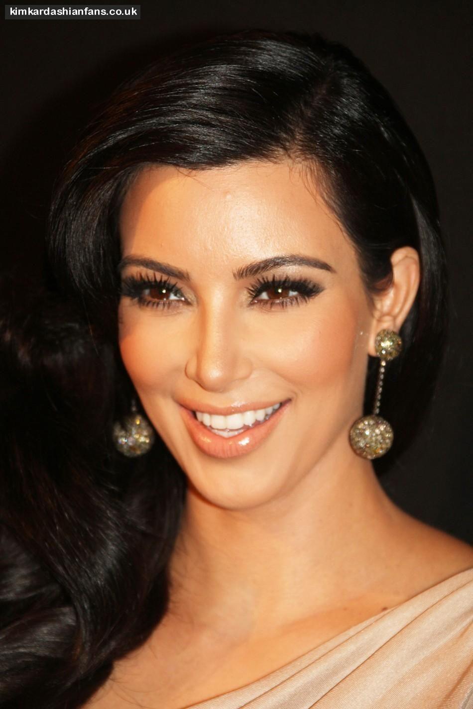 Ezsmokeyeyes Beauty And Makeup Tips Kim Kardashian Makeup Kardashian Makeup Kim Kardashian