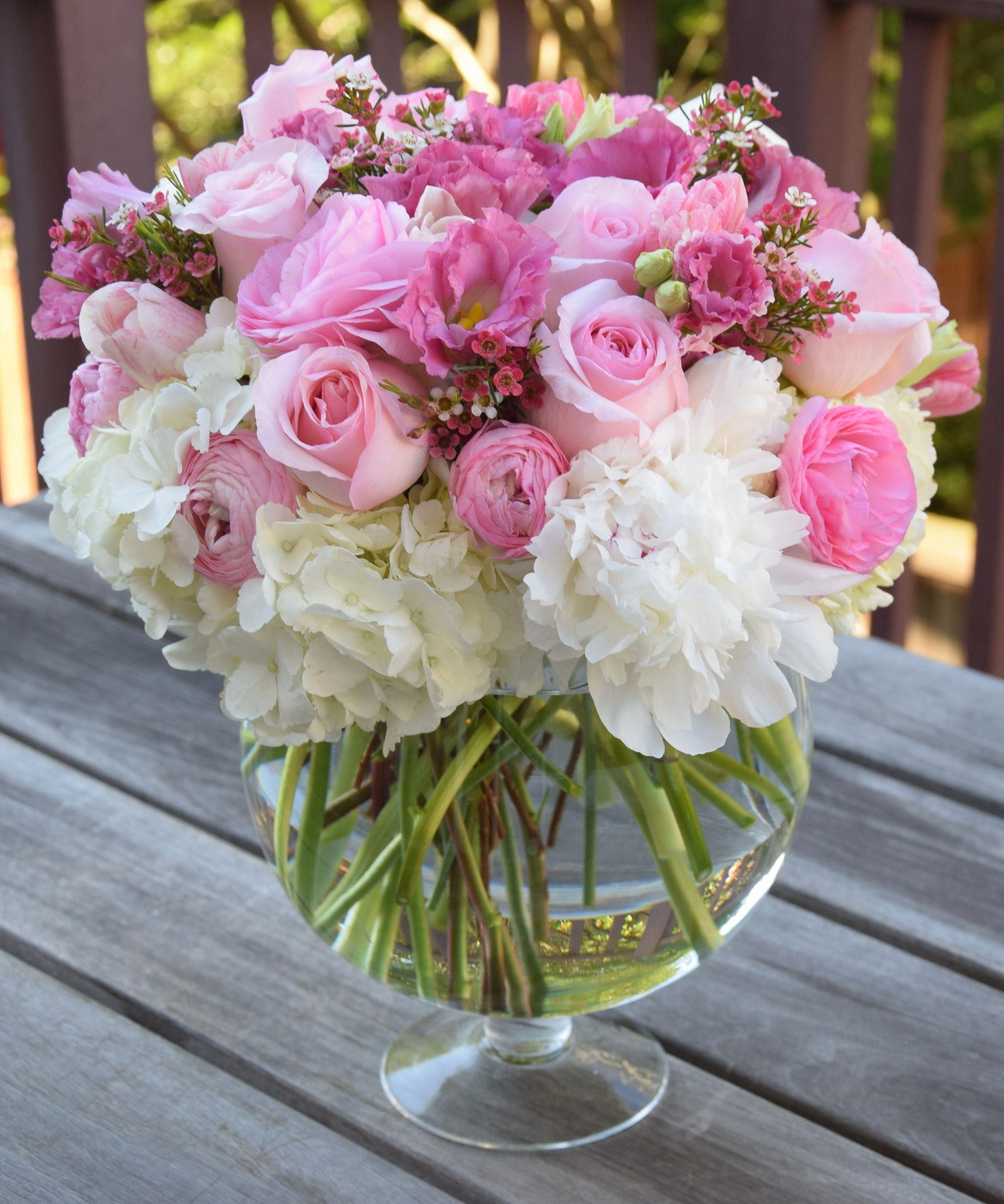 Birthday Flower Arrangement In Pink And White Roses Lisianthus Ranunculus Peonies Hydrangeas Wax Tulips Ranunculus Bouquet Da Sposa Bouquet Sposa
