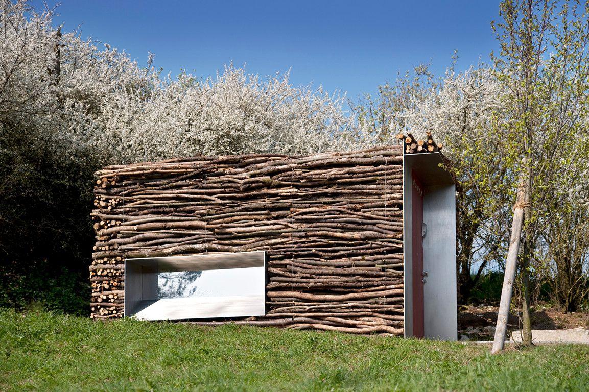 wc-häuschen aus holz, stampfbeton und altstahl - bad und sanitär, Wohnzimmer dekoo