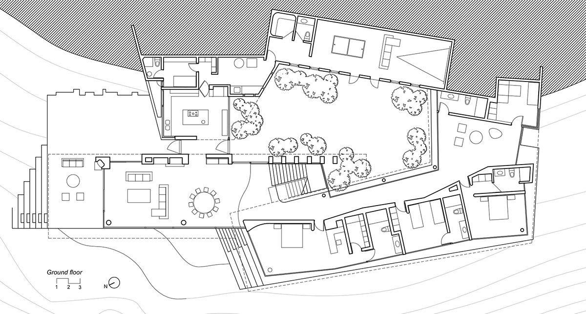 Частный дом на прибрежном склоне в Папудо от студии Raimundo Anguita / CURATED.ru