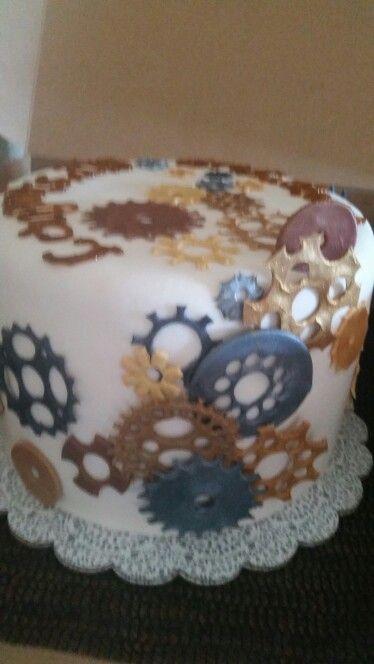 Steampunk Grad Cake by Cynthia's Elegant Cakes www. cynthiaselegantcakes. com
