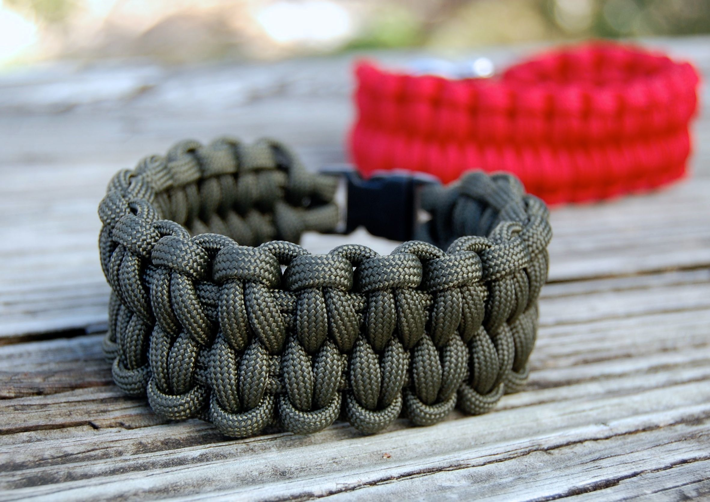 How to make a paracord bracelet happy bracelets and for Paracord stuff to make