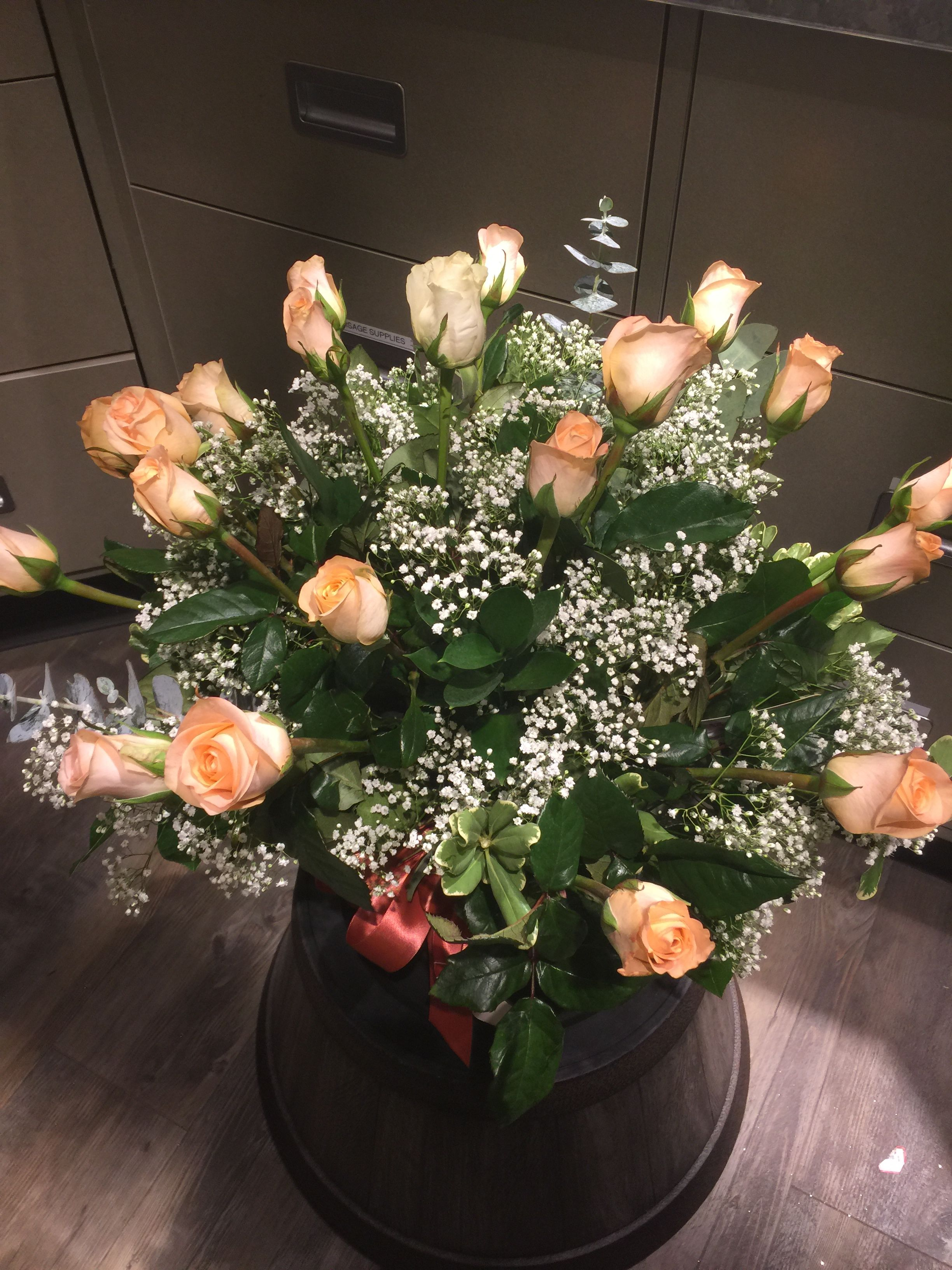 21st Birthday 20 Peach Roses And 1 White Rose Albertsons Floral