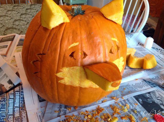 LydMc: Sweet Roasted Pumpkin Seeds & One Foxy Pumpkin ... Easy and fun fox-o-lantern!