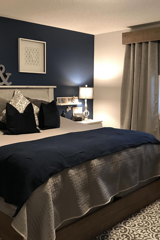 37 Inspiring Navy Blue Bedroom Decor Ideas You Should Copy Sweetyhomee Navy Blue Bedroom Decor Blue Master Bedroom Blue Bedroom Walls