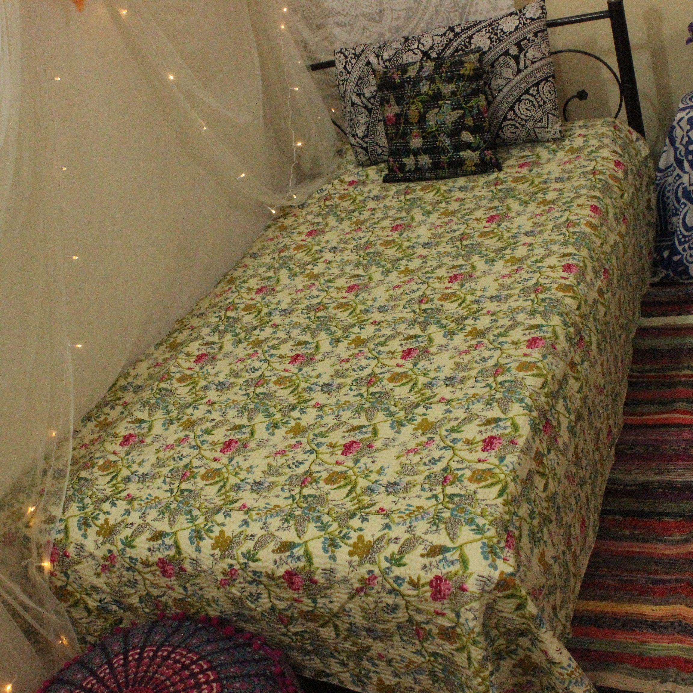 Kantha Bedcover Handmade By KanthaNtapestryart Quilt Kantha Quilt Kantha Bedding Throw Kantha Blanket Bedspread King Size Red Color 88x106
