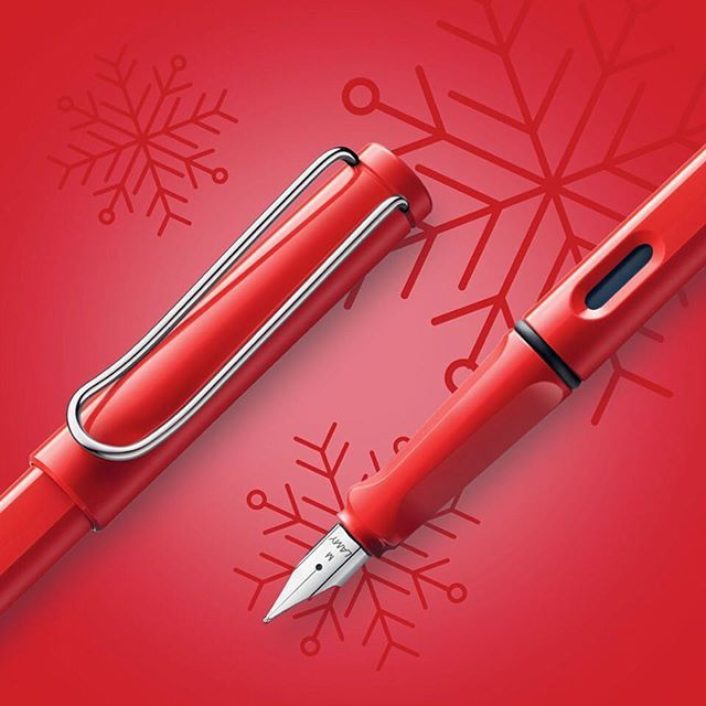 Looking for Christmas presents? A beautiful pen is always a good idea, no matter if you are looking for a present for a friend, your other half, a colleague, your parents, brothers or sisters. How about our allrounder, the LAMY safari? It's the ultimate present for everyone who writes on a daily basis. You can never go wrong with that! #lamy #lamysafari #christmas #inspiration #notjustapen