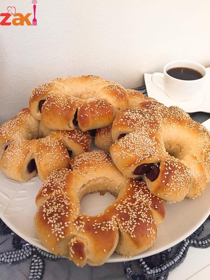 طريقة عمل بريوش بالتمر الطعم بياخدكم لبعييييييد زاكي Food And Drink Food Arabic Sweets