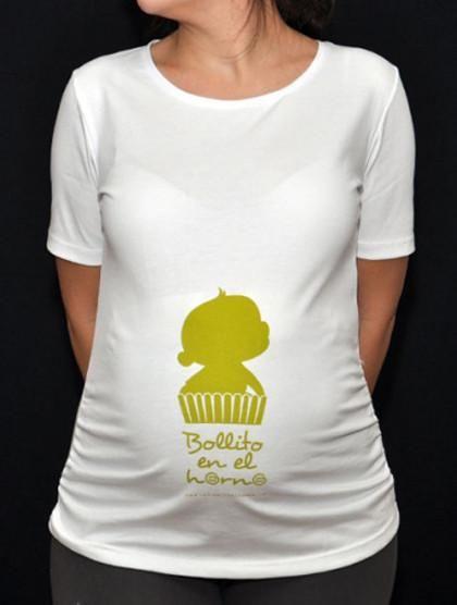 a404a1302 Día de la Madre  camiseta bollito en el horno para la futura mamá ...