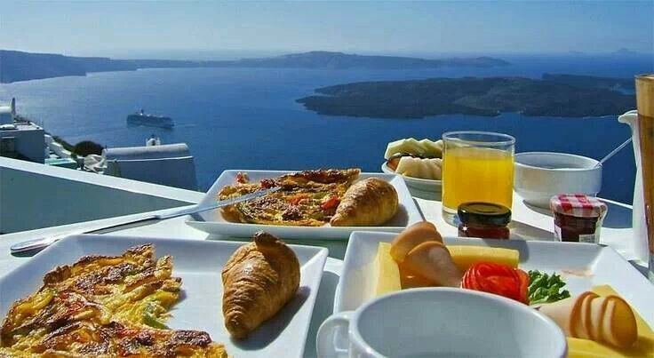 Breakfast with a view on Santorini!