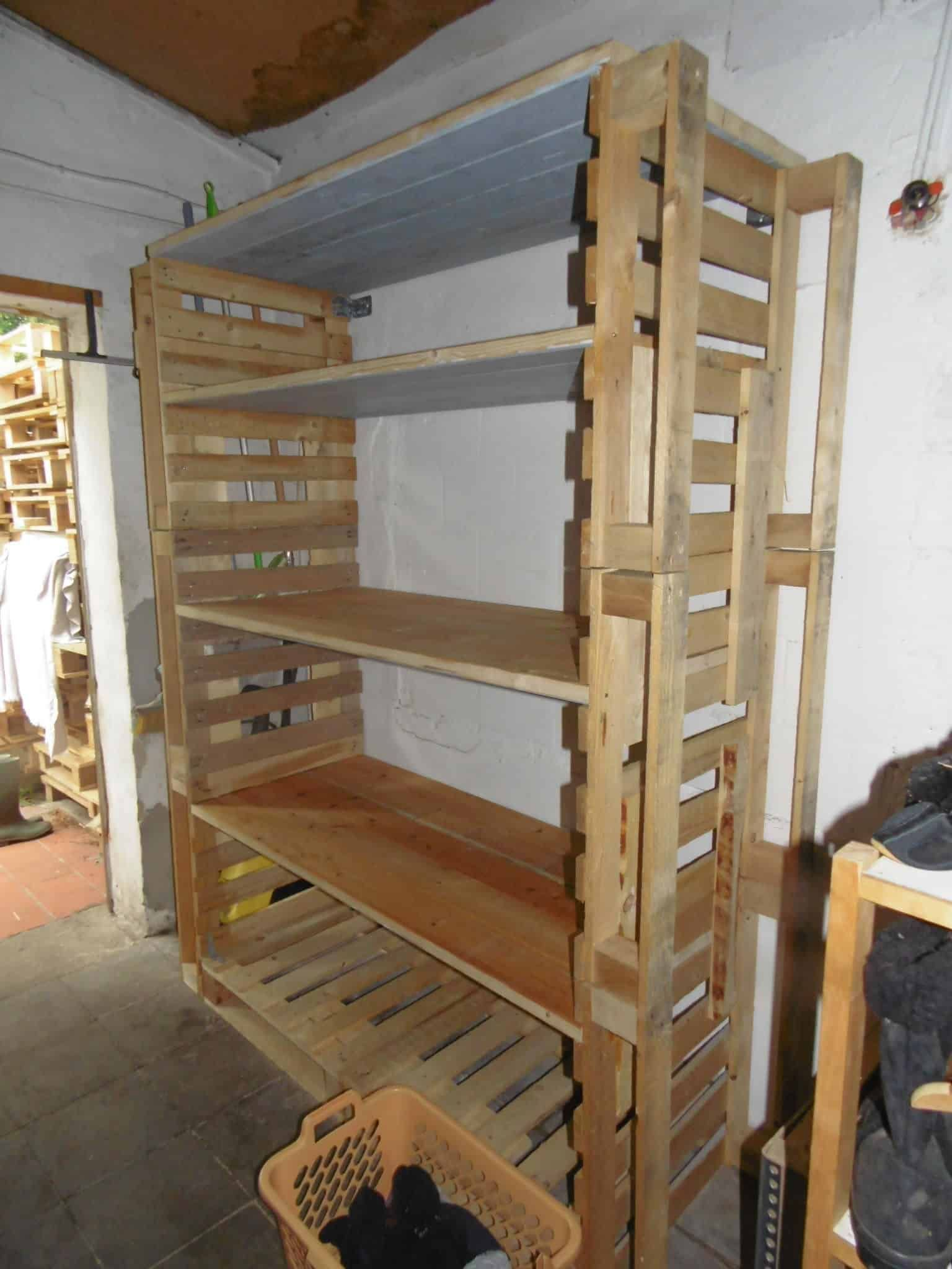 Big Pallet Organization Rack For Scrap Wood 1001 Pallets Pallet Shelves Diy Pallet Projects Pallet Diy