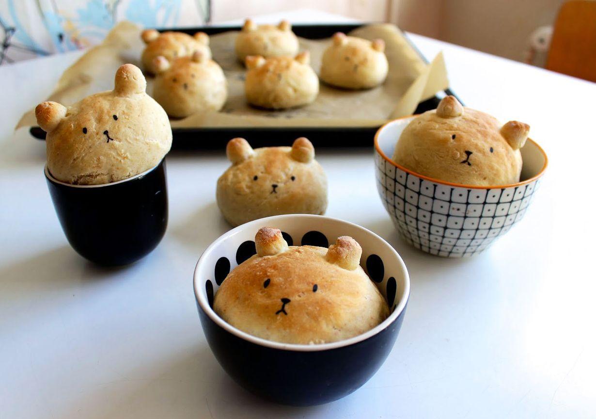 Näitä pieniä tyyppejä on melkein sääli syödä. Naamat taiteillaan syötävällä tussilla, joita myydään leivontakaupoissa.