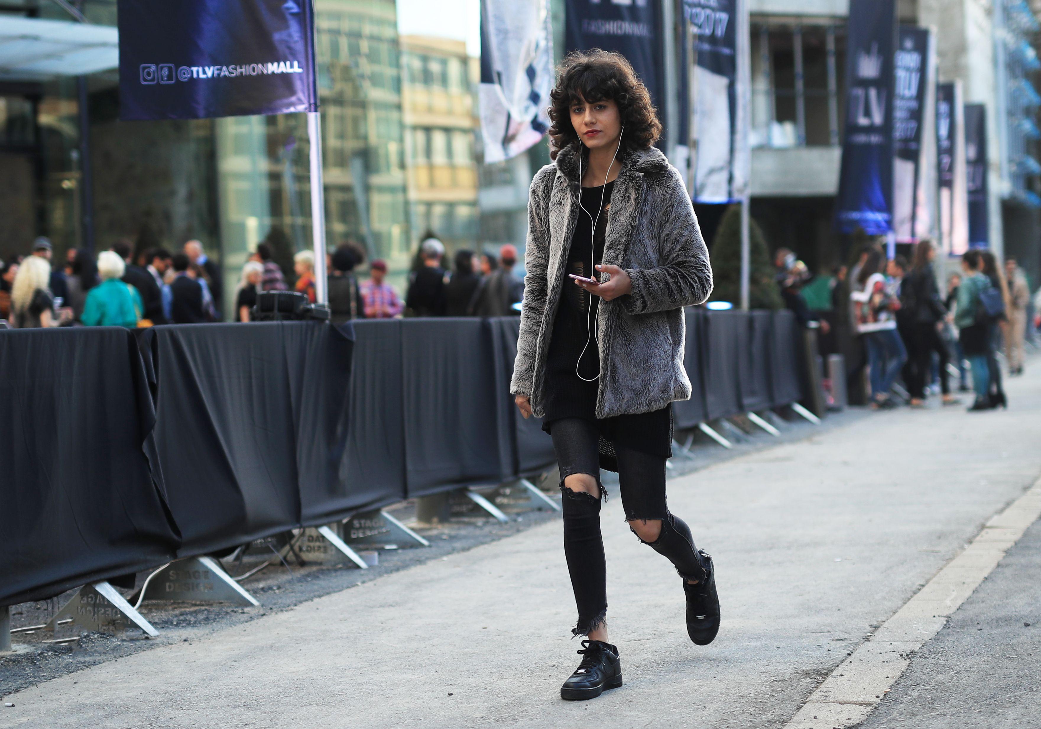 During A/W 2018 #telviv #fashionweek #style #streetstyle#fashion #streetfashion #street #mode #moda #stylish#nofilter #loveit #design #trend #fashionable #beautiful  #woman #arbelkynan