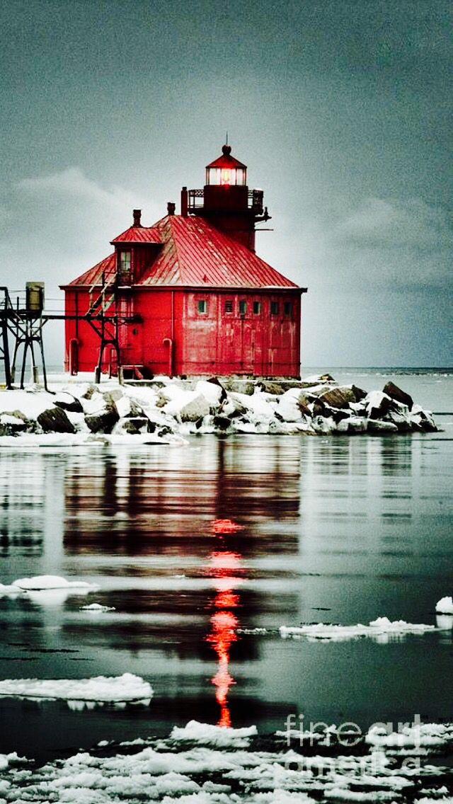 Lighthouse - Door County, Sturgeon Bay Ship Canal North Pierhead Light, WI, USA