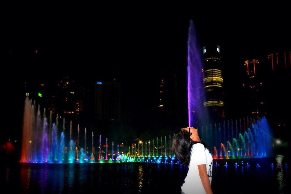 THE DANCING FOUNTAIN, Suria KLCC, Malaysia