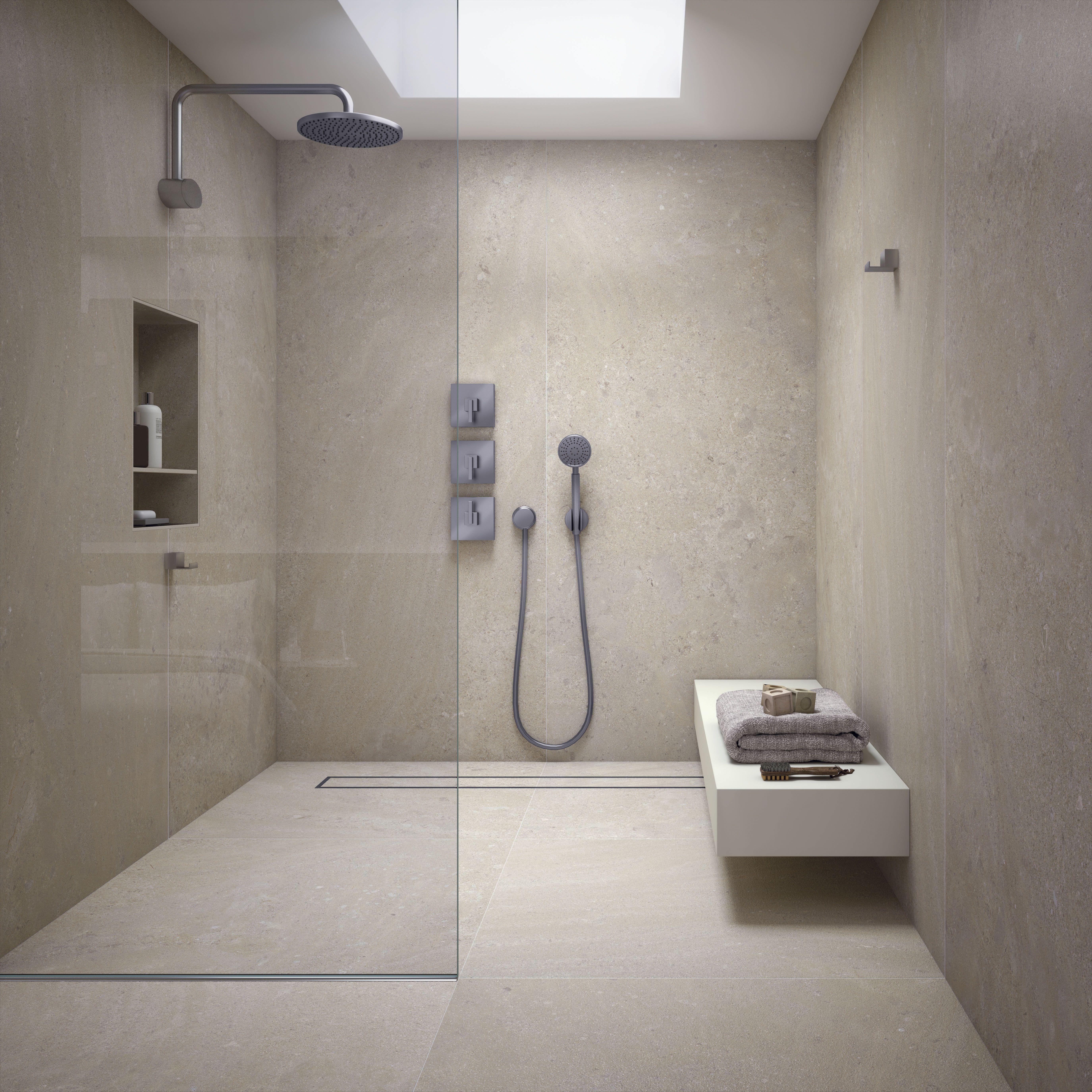 Fugenfreie Duschen Mit Grossformatigen Platten Fugenloses Bad Badezimmer Dusche