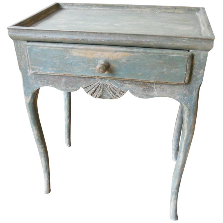 18th C Tray Top Table With Shell Motif And Dreamy Patina