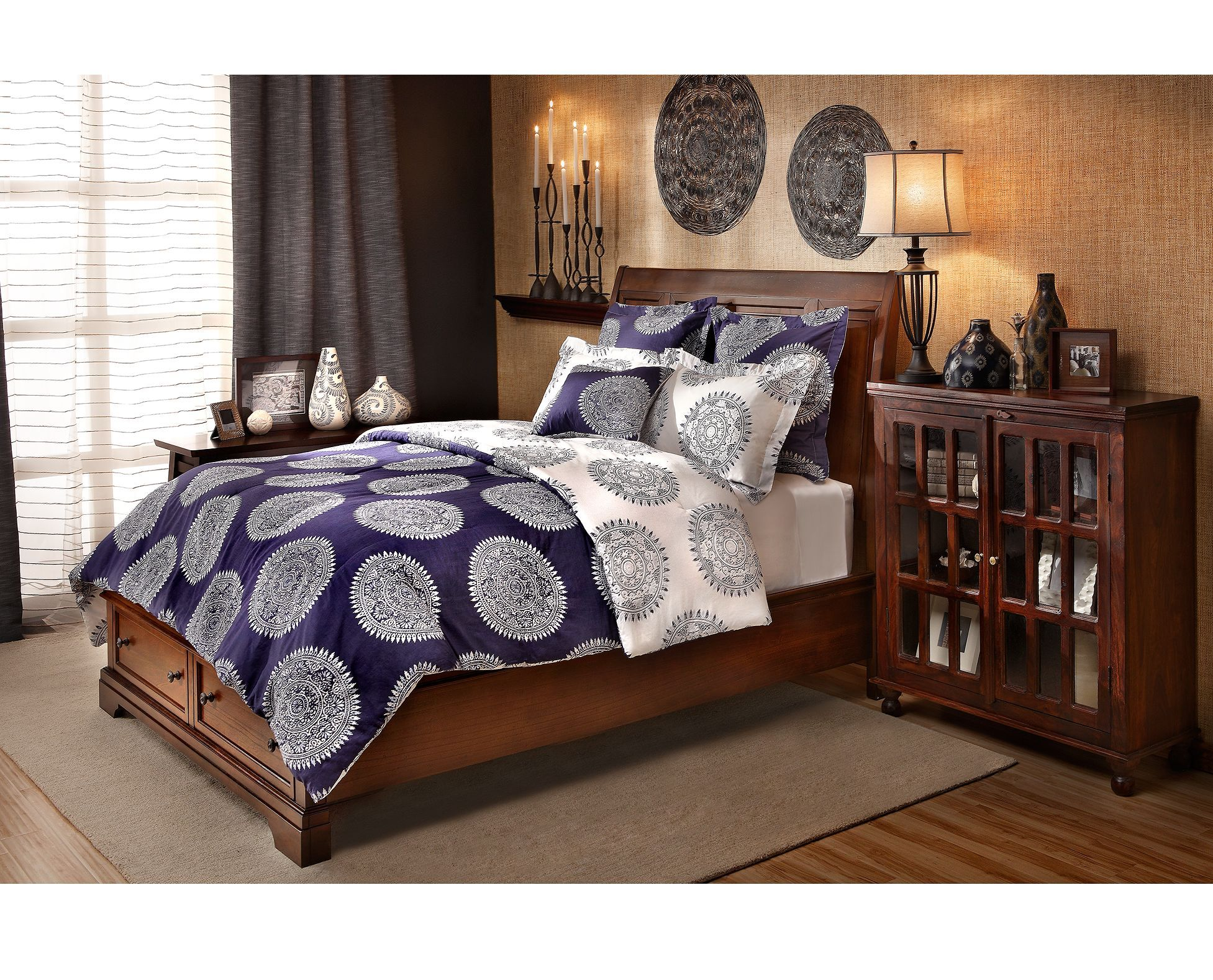 Http://www.furniturerow.com /fr/The Linen Shoppe/Painted Batik Queen Comforter Set /prod1770166/?utm_sourceu003d071716_FR_NS