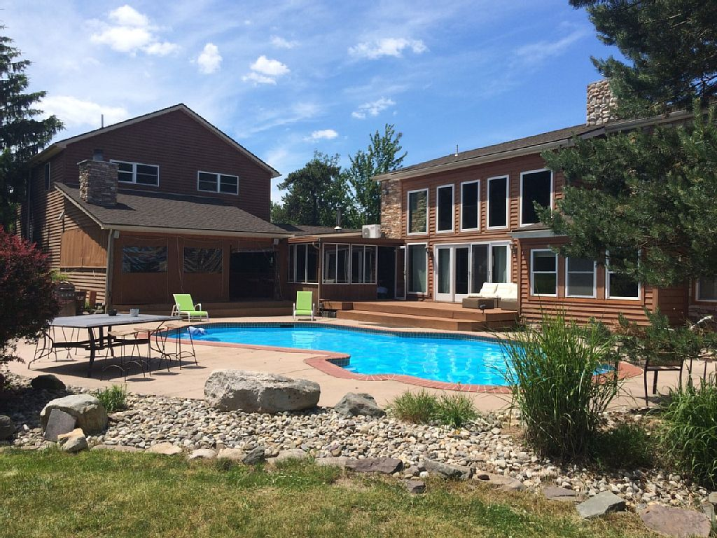 Estate vacation rental in emerald lakes from