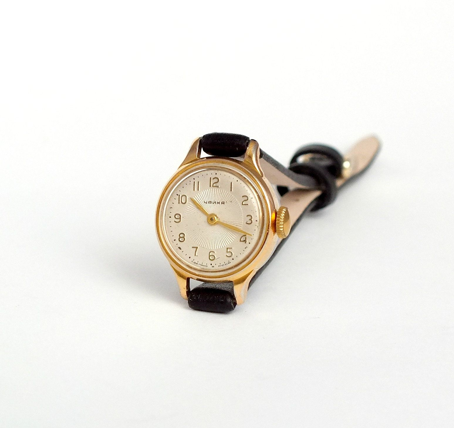 Vintage Very Small Womens Watch Chaika Seagull Round Dial Wristwatch Mechanical Gold Plated Ladies Watch 60s Tiny Cocktail Watch Gift Her Saatler Taki Mucevher