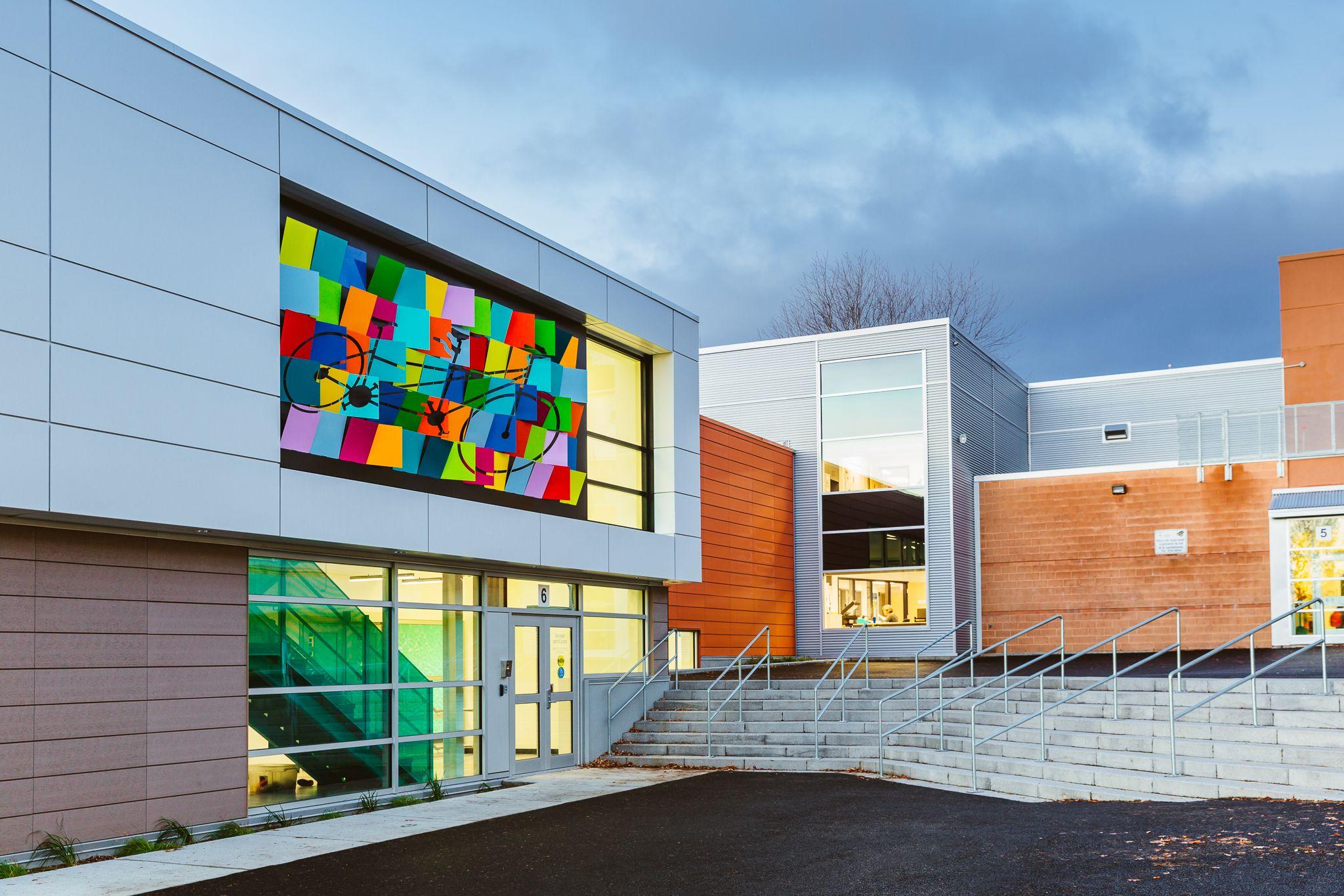 École St-Claude \\\\ École primaire \\\\ Elementary school ...